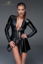 Minirobe corset wet look F154 : Evasée et manches longues, cette robe courte en wetlook possède une ceinture corset qui affine la silhouette.